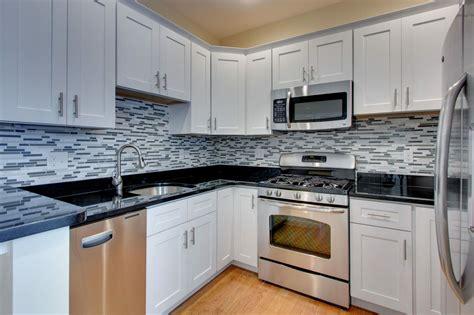 Best Backsplash For Kitchen by Best Backsplash Ideas For White Kitchen Cabinets Cabinet