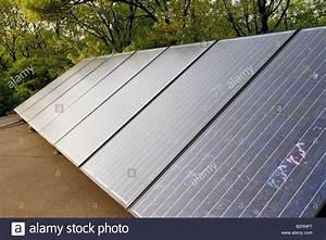 Solar Auf Dem Dach : solar stockfotos solar bilder alamy ~ Heinz-duthel.com Haus und Dekorationen