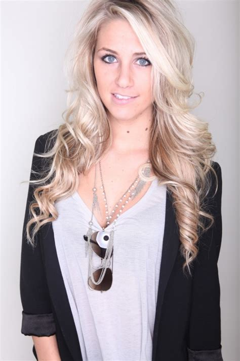 beautiful long blonde hairstyle for homecoming and prom