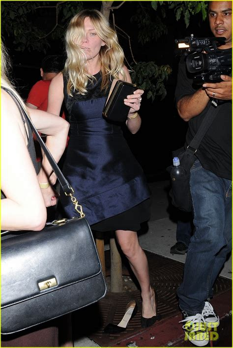 kirsten dunst loses shoe  bootsy bellows photo