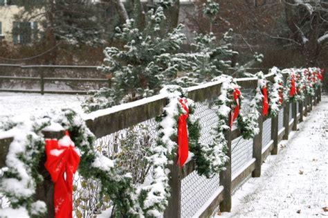 altogether christmas decorating outdoor christmas decorating