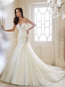 Trumpet wedding gown with chapel train for Trumpet wedding dress