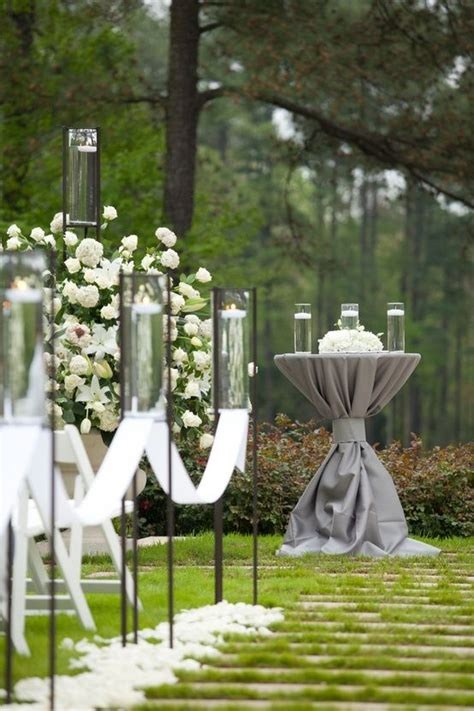 stylish lanterns  aisle  elegant display