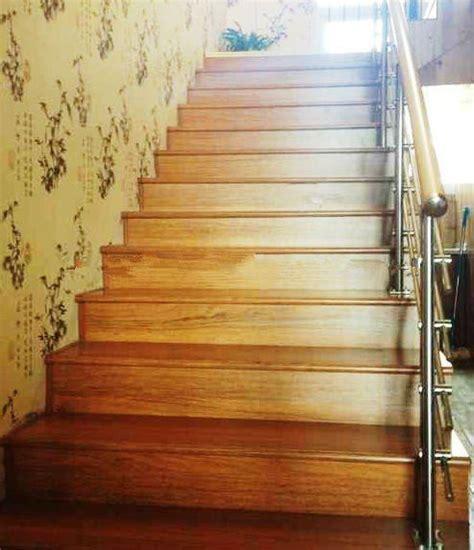 Laminate Flooring: Laminate Flooring Stair Landing