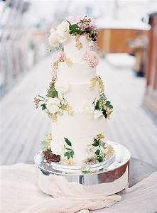 Lily Vanilli & Natasha Hurley: Bespoke Wedding Cake Photoshoot