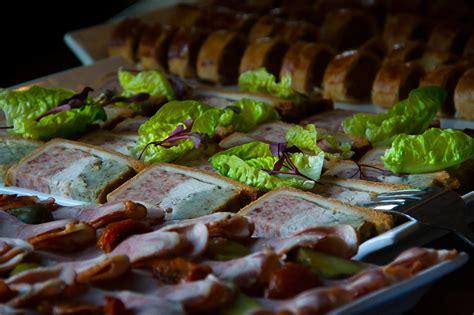 plat cuisiné a emporter plat du jour plat à l 39 emporter salade salade fraîche