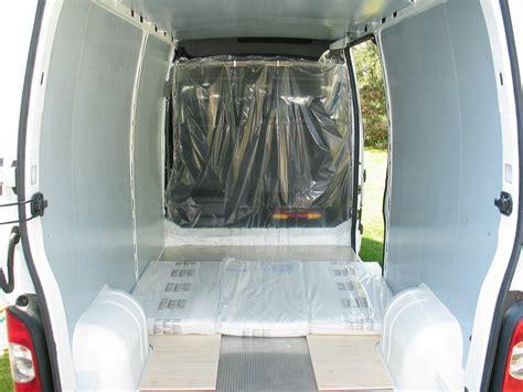 camion amenage pour cuisine les meubles sont démontables aménager un cing car en