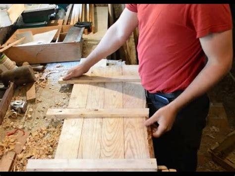 faire revenir en cuisine faire porte de cuisine en bois de récupération sans