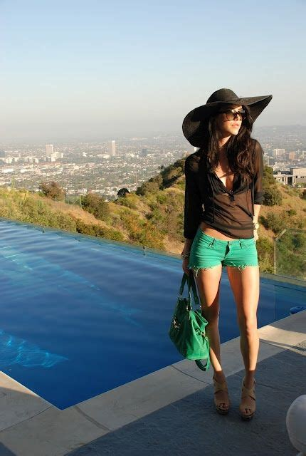 Pin by Veronica Munoz on Moda   Pool party outfits ...