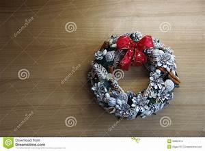 Weihnachtskranz Für Tür : weihnachtskranz f r die wand oder die t r stockbilder bild 33862474 ~ Sanjose-hotels-ca.com Haus und Dekorationen