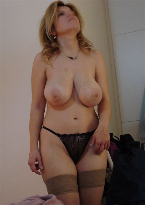 Homemade Blonde Milf Wife