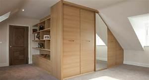 Kleiderschrank Für Kleine Räume : begehbarer kleiderschrank unter dachschr ge ideen und planungstipps ~ Bigdaddyawards.com Haus und Dekorationen