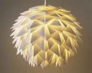 Lampen Selber Basteln Anleitung : origami lampenschirm selber basteln ~ Markanthonyermac.com Haus und Dekorationen