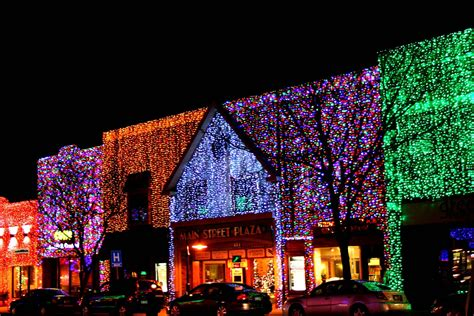 michigan christmas picture in downtown rochester michigan at christmastime