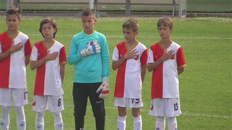 HIMNA Vojvodina U12 - YouTube
