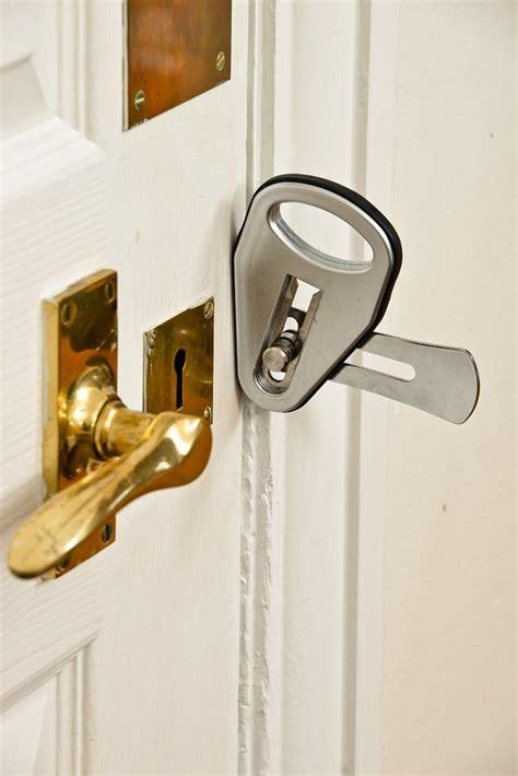 Door Lock by Temporary Door Lock