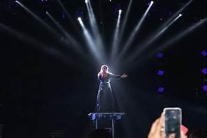 CONCERT REVIEW: Demi Lovato's Neon Lights Tour | The Xtra Mile
