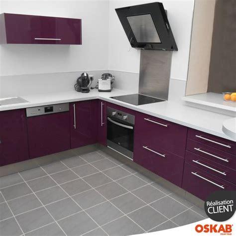 exemple de credence cuisine cuisine aubergine modèle keria aubergine brillant