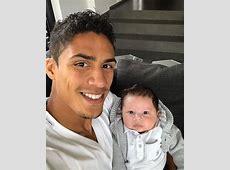 Raphael Varane nous passe un coucou avec son fils Ruben