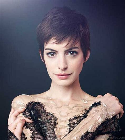 Anne hathaway haircut 35 anne hathaway s stylish hair discover ideas about anne hathaway short hair january 2019 anne hathaway becoming jane catwoman celebrity. 41 Elegant Hairstyles Of Anne Hathaway