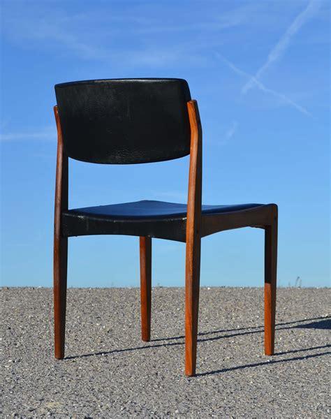 chaise danoise chaises scandinave en teck des ées 60 état