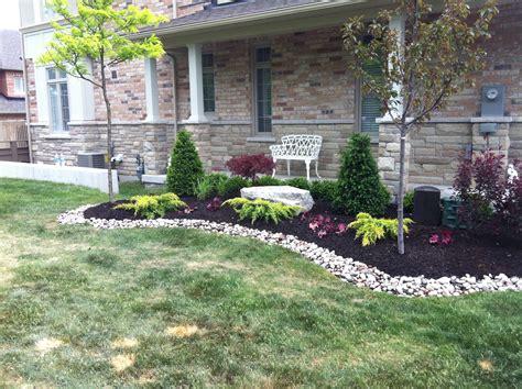 front yard landscape ideas  maintenance landscaping red
