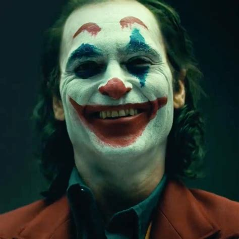 See Joaquin Phoenix In Fullon Joker Mode In Terrifying