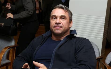Olimpiskais medaļnieks svarcelšanā Viktors Ščerbatihs ...