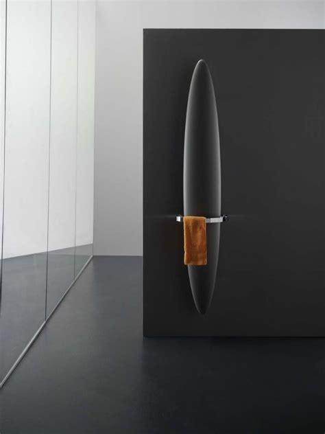 Heizkörper Bad Design by Design Heizk 246 Rper Bad Handtuchhalter Schwarz Blade