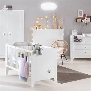Chambre poudre d39etoiles de noukie39s for Tapis chambre bébé avec protege matelas 150x190