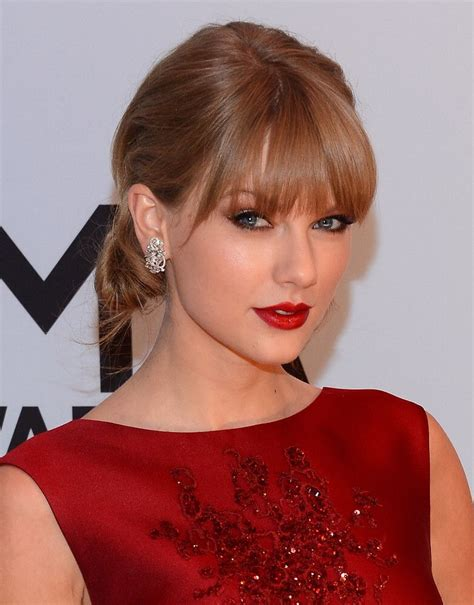 Pin by Carli Deskins on Formal | Taylor swift makeup ...