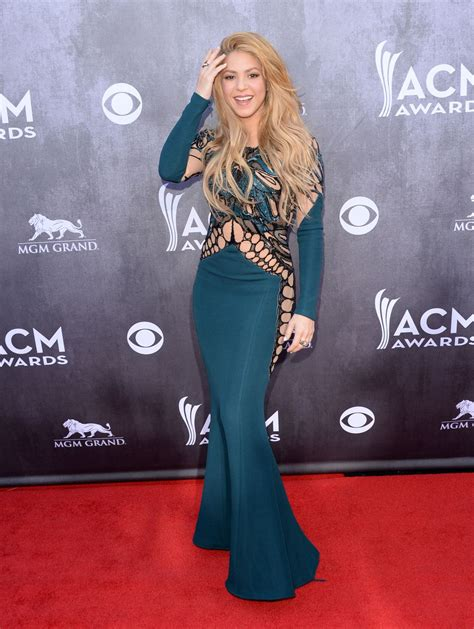 shakira  zuhair murad dress  academy  country