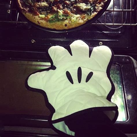cuisine mickey gant de cuisine mickey mouse cuisinez en mode déssin animé