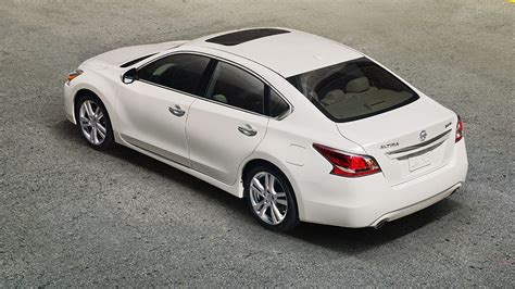 nissan altima review specs price