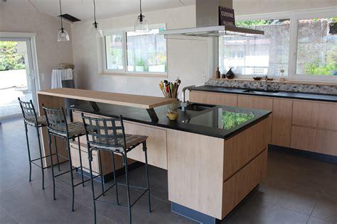 implantation cuisine ouverte cuisine avec îlot et retour bar david giller menuiserie