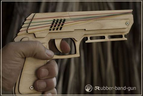 rubber bands gun wooden gun pistol   israel