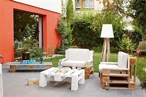 Möbel Für Die Terrasse : gem tliche lounge sessel f r die terrasse lassen sich aus holzpaletten recht einfach fertigen ~ Sanjose-hotels-ca.com Haus und Dekorationen