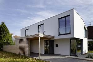 Carport Holz Modern : hauseingang mit carport aus holz ~ Markanthonyermac.com Haus und Dekorationen