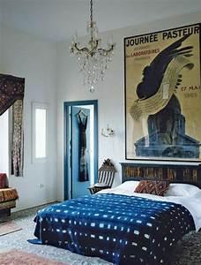 1001 idees pour une deco maison couleur indigo With tapis oriental avec grande couverture canapé