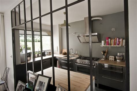 cr馥r une cuisine ouverte separation cuisine style atelier maison design bahbe com