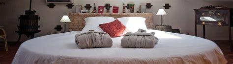 chambre lit rond chambres d 39 hôte lit rond matelas à eau piscine spa var