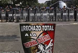 Top Mexico presidential candidate vows to undo school ...