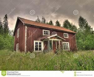 vieille maison dans la campagne photo libre de droits With plan maison de campagne 8 la maison de cadre