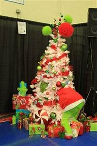 Another Grinch tree Outside Grinch Christmas Tree