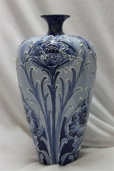 moorcroft florian ware vase poppy design china rose