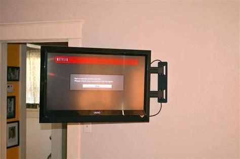 installing  articulating flat panel mount   corner
