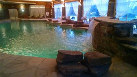 lodge pool hot tub       waterfall