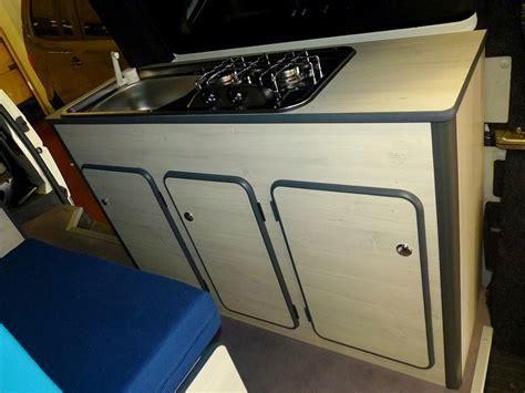 meuble pour evier cuisine kits d 39 aménagement fourgon cing car smartcombee