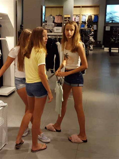 Young Teens At The Mall Candid Sexy Candid Girls With