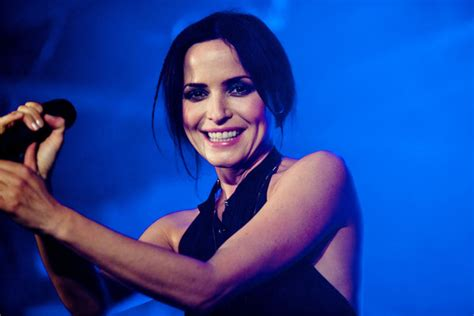 andrea  corrs photo  fanpop